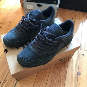 reebok classic blue sole